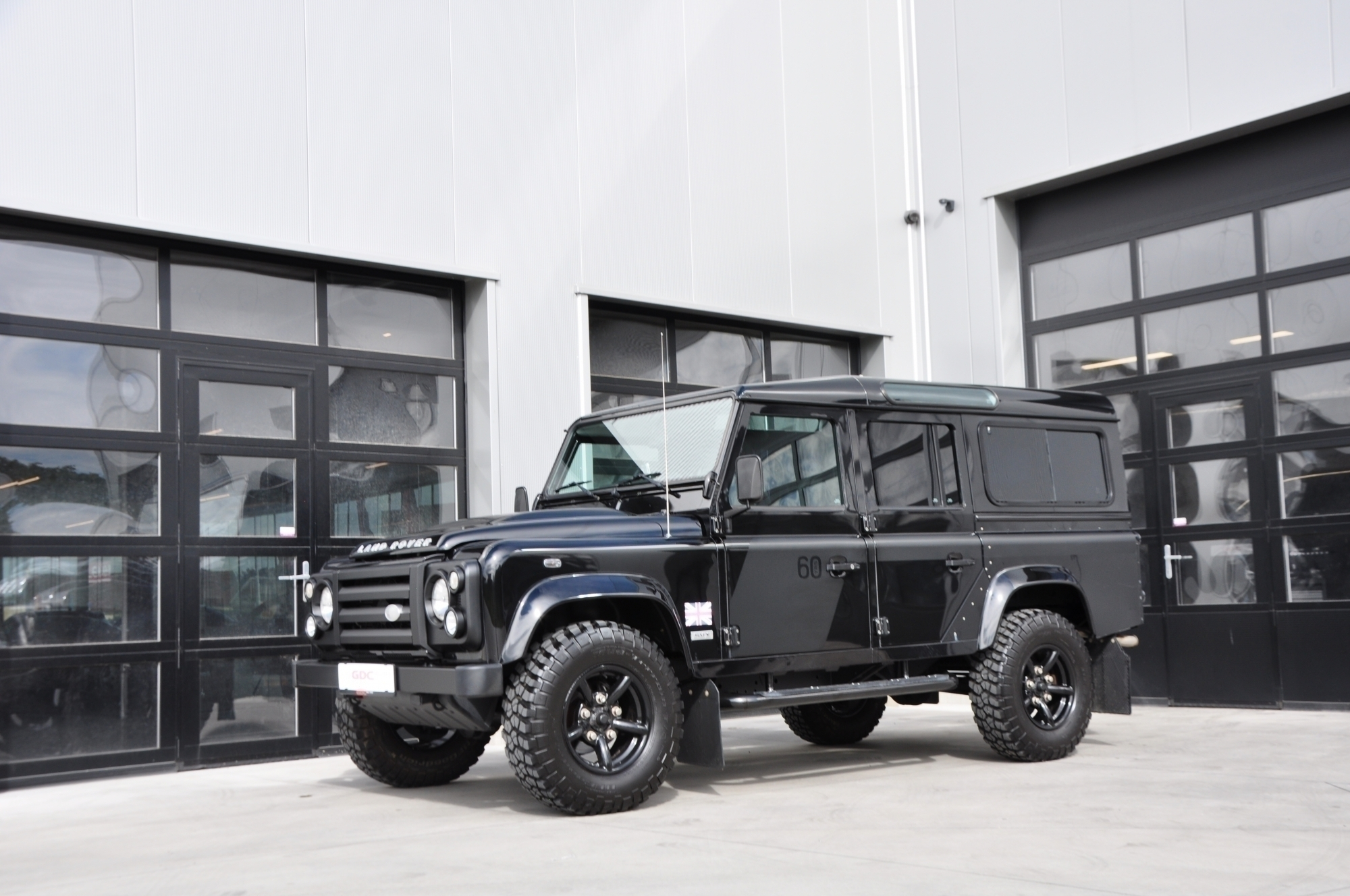 GDC Auto Land Rover  Defender Land Rover 110 SVX 60th Anniversary Limited !